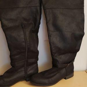 Women's Knee High Black Boots